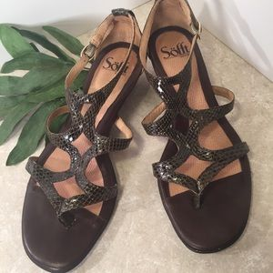 Sofft Brown reptile textured sandals 7M